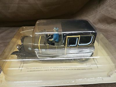 Hard to find PAYA wind up TIN TOY CAR WITH DRIVER NEW Limousine new