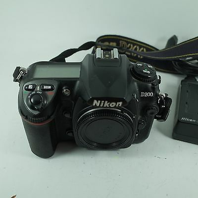Nikon D200 Digital 10MP SLR Camera Body,Battery