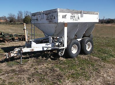 Used 8 ton Tandum Ferterlize Spreader