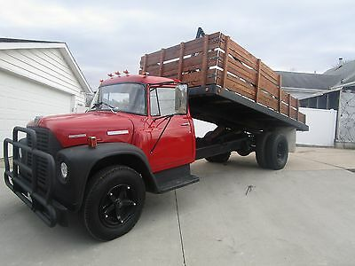 1973 International Harvester Other  1973 international loadstar 1600 deck/dump bed