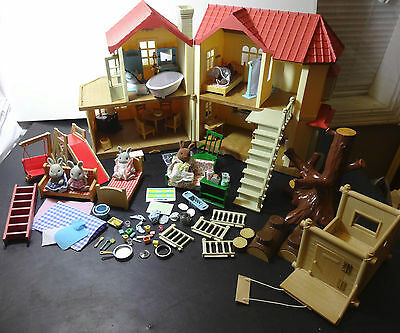 Calico Critters Luxury Townhome Townhouse #CC2085 with Furniture & 5 figures