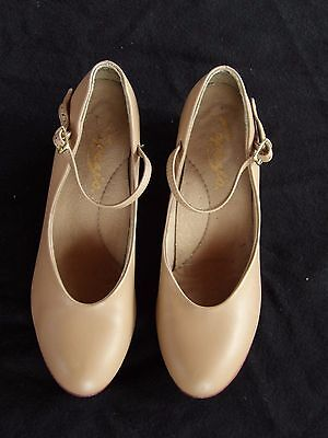Womens MANHATTAN CHARACTER SHOES 9M Capezio (recommended for 8.5M) Caramel RV$75