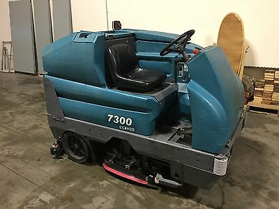 Tennant 7300 Ride On Floor Scrubber. Autoscrubber. Works Great.
