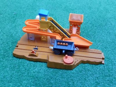 tomy trackmaster thomas the tank engine sodor quarry loader truck and balls