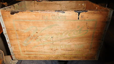 Vintage Vernors Ginger Ale Wood Soda Bottle 12 cent Box Crate C&O railroad train
