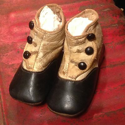 Victorian ~ Button side ~ Baby shoes