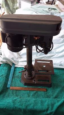 Drill Press 5 Speed.tools,garage,shed,woodwork,timber,old,house,garden,clamp.
