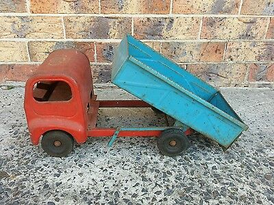 Vintage Cyclops & Lines Bros Tin Metal Toy Tipper Truck