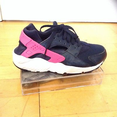 Nike Huarache Kids Trainers Size 5 Used Worn Only Once