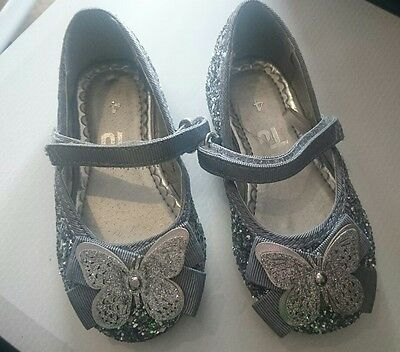Sparkly silver children's ( toddlers) party shoes. Infant Size 4