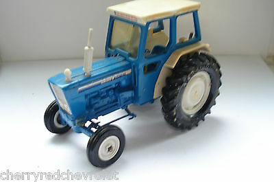 Vintage Britains Ford 6600 Tractor 1/32 in good condition 1978