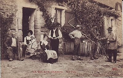 France La Vie aux Champs - La Paie Farm old unused postcard