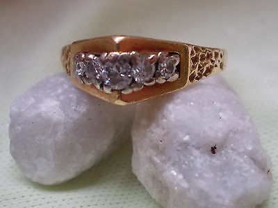 vintage 18 ct gold and diamond ring very unusual shape