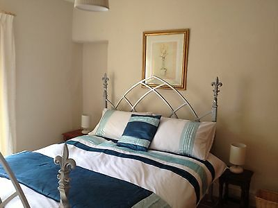 Aran Cottage sleeps up to 10 people self catering cottage - snowdon