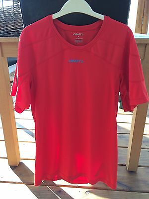 Craft L1 Ventilation Red Top. Worn Once. Running Cycling Sports Size M