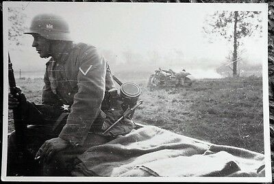 NAZI PHOTO -1940 Photo of  a Nazi Wehrmacht Soldier - Somme Übergang - June 1940