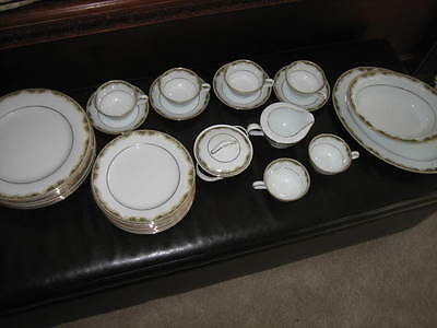 Excellent Condition Noritake Warrington 6872 Vintage China - Lot of 31 Pieces