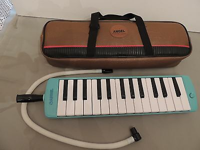 ANGEL MELODICA. Melody horn with BROWN CASE.