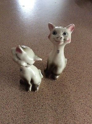 Vintage Collectable Siamese Cat Salt And Pepper Shakers