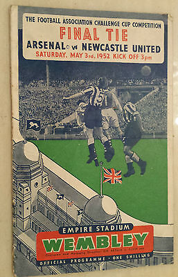 1952 FA CUP FINAL Official Programme- ARSENAL v NEWCASTLE UNITED at Wembley