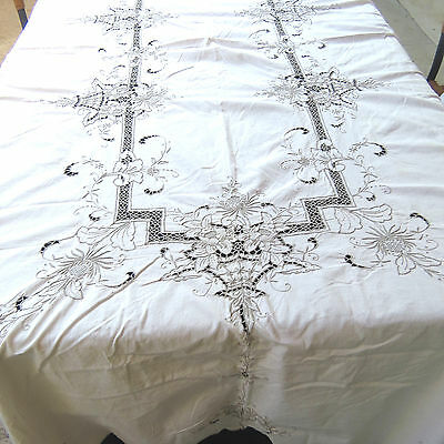Hand Embroidered Floral Basket Cutwork Tablecloth Beige Cotton 62x97 Oblong