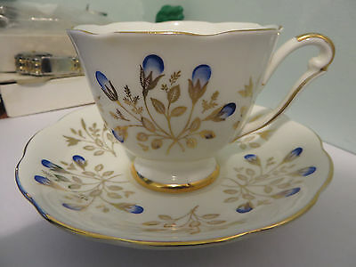 Beautiful Floral Cup & Saucer, crown mark, fine bone china, 5785, England