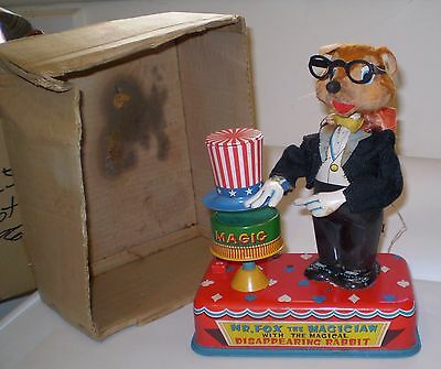 VINTAGE JAPANESE 1950/60s TIN TOY MR FOX MAGICIAN