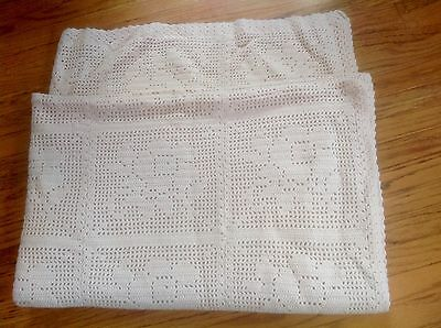 """Beautiful Hand Knit Ivory Floral Pattern Throw/blanket~41 X 59""""~Lovely!"""
