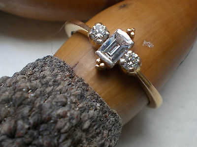 18 ct gold and baguette diamond ring size L
