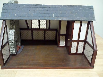 DOLLS HOUSE ROOM/BOX 1/12 scale