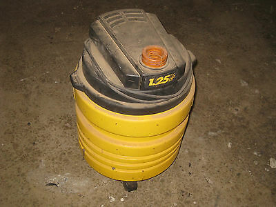 1 1/4 hp VACUUM 5 GAL GENIE WET DRY    PICK UP  or LOCAL SHIP