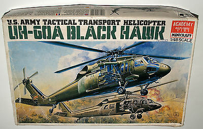 Academy Minicraft Uh-60A Black Hawk Us Tactical Transport Helicopter – 1:48