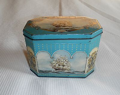 Vintage Huntley & Palmers Clipper Biscuit Tin