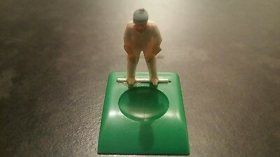 Subbuteo Cricket Wicket Keeper with Blue Cap
