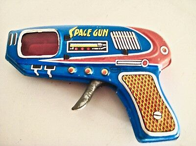VINTAGE RAY GUN☆SHUDO made in JAPAN☆SPARKING☆TIN space toy collectable
