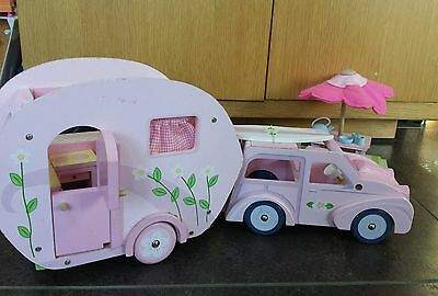 Wooden caravan and car set inc picnic table + surf board, matches dolls house