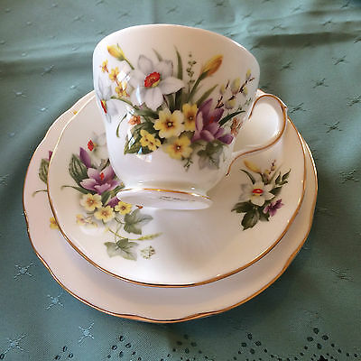 Pair of pretty DUCHESS 'Spring 408' cup, saucer and cake plates.