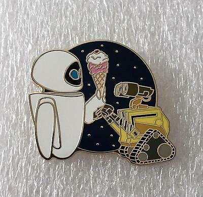 Disney DSF DSSH Wall-E and Eve Pin Traders Delight GWP LE 400 PTD