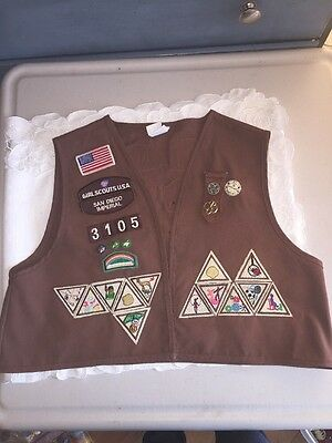 Girl Scouts Brownie Vest 35 Patches  Size Large  San Diego Imperial+pins