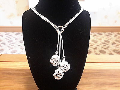 Brand new 925 stamped  silver necklace with three roses and gift box