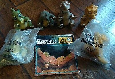 2 NEW VINTAGE Land Before Time Pizza Hut Hand Puppets &4 used Dinosaurs & a book