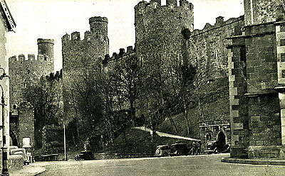 CAERNARVONSHIRE -  Postcard of Castle from Castle Street, Conway, Wales