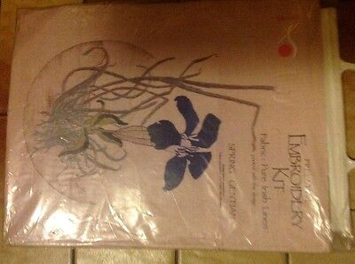 Embroidery Kit - spring gentian By brosana