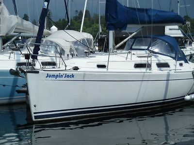 2007 Hanse 315 Yacht Very Little Use Fresh Water From New On Windermere