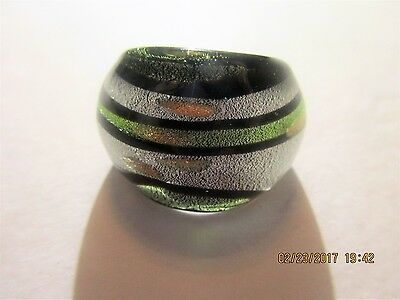 Vintage Collectible Black Silver Green Glitter Lucite Ring Sz 6.5 SWEET #130