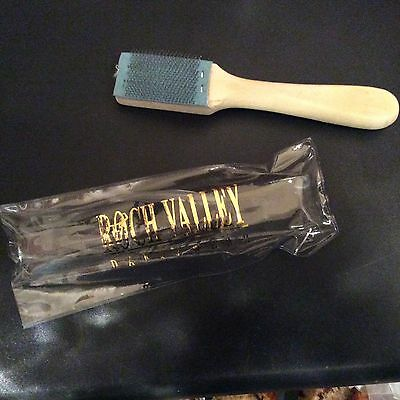 Dance shoe sole brush, keeps your soles clean and in good condition