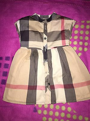 Robe Burberry Taille 6 Mois