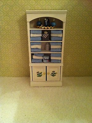 Dolls House 1.12th Scale Bathroom Unit With Towels & Accessories In Blue