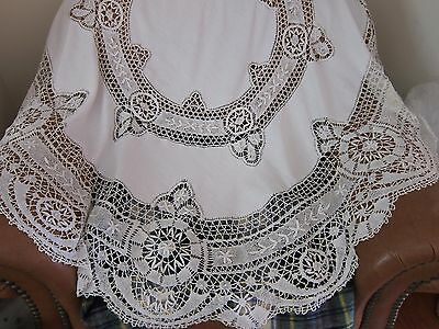 "Stunning Vintage/Antique 65"" Diameter Round Cluny Lace & Fine Linen Tablecloth"