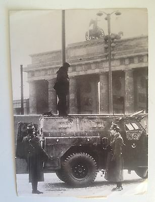 RFA - RDA Mur de Berlin en 1961 : photo de presse